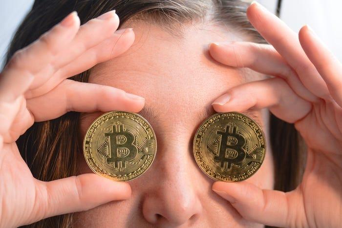 """""""Bitcoin"""" kalnakasiai ketina baksnoti 17 milijonų monetų - Įmonės naujienos -"""